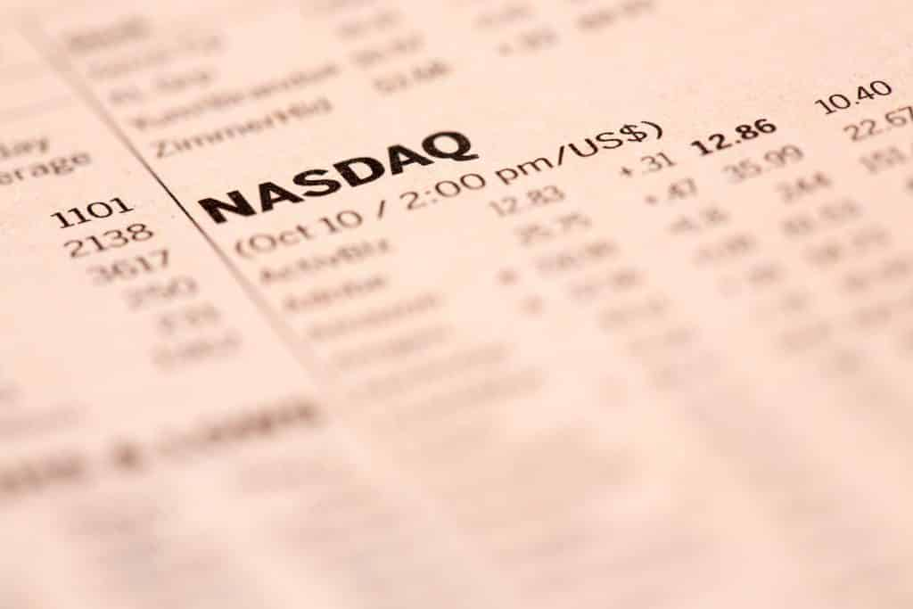 what is nas100, nasdaq 100, Newspaper illustration with a schedule of the cost of financial shares